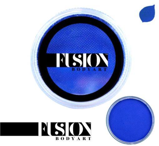 Fresh Blue Fusion Body Art Prime Fresh Blue es realmente un color único que ninguna otra marca puede igualar. Con una mezcla de tonos azul perla y verde, este color es perfecto para diseños inspirados en pavos reales, Mardi Gras e incluso diseños de sirenas. Las posibilidades son infinitas con Fusion Body Art Fresh Blue, ya que cambia de color según la forma en que la luz lo toque, este es un verdadero color de pintura facial de doble tono. Aplique en capas finas para evitar movimientos súper gruesos que podrían agrietarse cuando se secan. Los Fusion Body Art Face Paints son excelentes para los pintores y cosplayers profesionales, así como para los artistas principiantes y padres que necesitan un producto de pintura facial de alta calidad pero a precio accesible para una fiesta o simplemente por diversión. Face Paint - Prime Fresh Blue