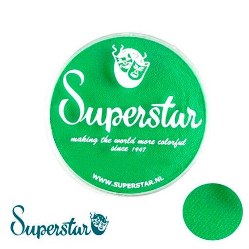 """Superstar Verde Flash Superstar es una pintura de cara suave y cremosa altamente pigmentada. Se mezclan fácilmente, se secan en 30 segundos sobre la piel y se secan hasta obtener una cobertura sin manchas. Si quieres convertirte en un profesional, puedes obtener Superstar <span style=""""font-size: 80%;"""">Flash Green </span><span style=""""font-size: 80%;"""">en el contenedor de 45 gramos.</span> Superstar Verde Flash - 45gr"""
